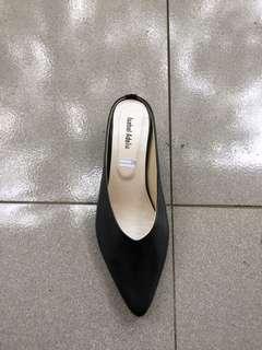 Black size 40