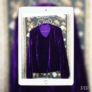 深紫色絲絨上衣