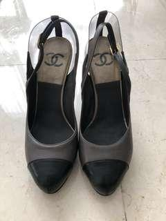 Authentic Chanel heels size 38 round toe