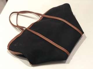 Tote Bag Hitam Detail Coklat