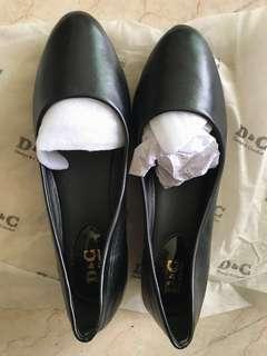Black bellies with broad base heel (D&C)