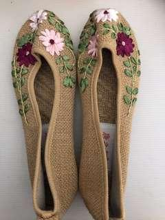 New: Brown Embroidery handmade shoes (size 5-23cm)