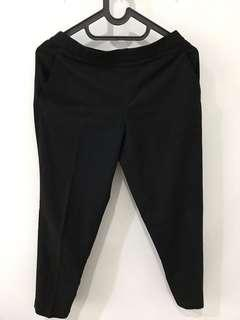 Celana kerja Uniqlo (Ezy Ankle Length Pants) warna Hitam