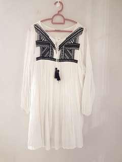 Mango bohemian white dress with blue embroidery
