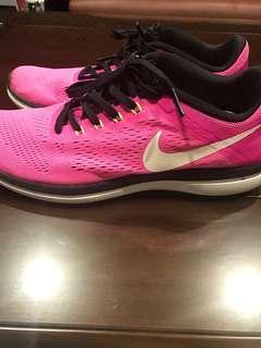 Nike桃紅編織運動鞋