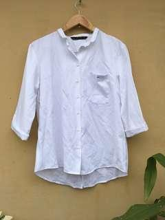 Zara white long sleeves button down with pocket and detail at the back