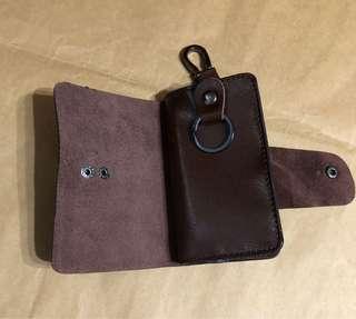 🚚 二手 皮質 鑰匙包 可放卡片 鈔票 零錢