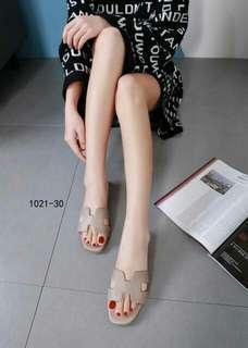 Sandal Flat Wanita. Hermes Kode : SF-H.1021-30
