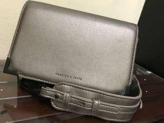 Tas Charles and Keith original / sling bag wanita / tas selempang Charles Keith
