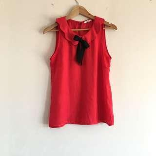 Red scallop bow top