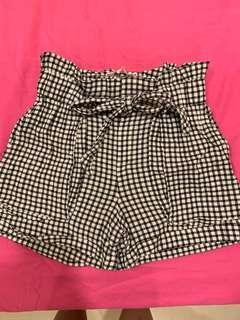 Paperbag checkered shorts