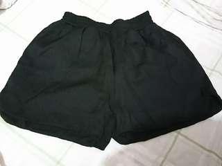黑色短褲 ladies short pant/bottom