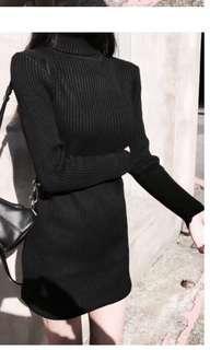 黑色高反領細紋針織洋裝