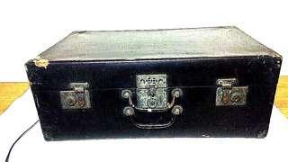 進口絕版品 // 懐舊古早木皮箱