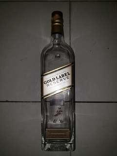 empty clear glass bottle cork Johnnie Walker gold label reserve blended scotch whisky 1L