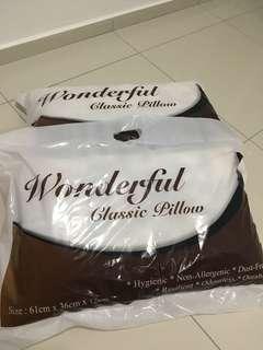 Wonderful Classic Pillow x2