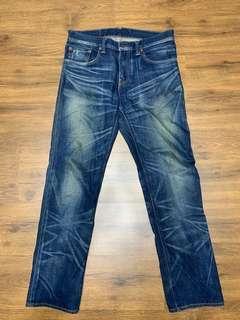 Levi's 502牛仔褲32腰,舒適直筒