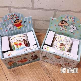 :::OH YEAH!:::『現貨』日本直送 蠟筆小新馬克杯+陶瓷湯匙組 實品拍攝睡衣款和同樂會款 交換禮物生日禮物收藏
