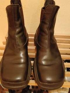 PRADA皮boots