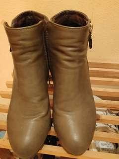 墨綠色Boots