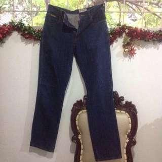 Jeans cowok-jeans wrangler size:32x32 nego
