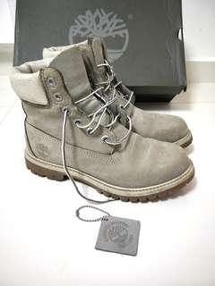 <Sold> Timberland Boots