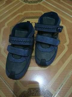 sepatu anak cowok#bersihbersih