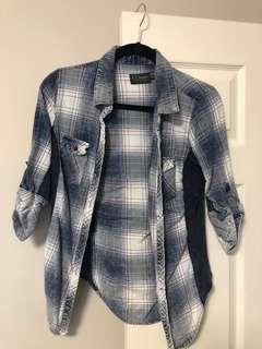 Flannel top with stretchy sides