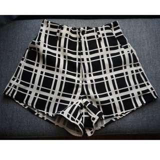 LOWRYS FARM Checkered Shorts