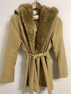 🚚 [二手]兔毛駝色連帽綁帶大衣