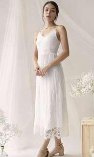🚚 TTR Halia Lace Maxi Dress (white)