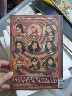 🚚 Brand new sealed Girls Generation SNSD Hoot Album