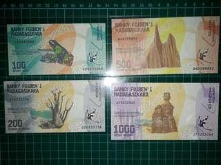 [Africa] Madagascar (100-1000 Ariary) Paper Notes (2017 Series)
