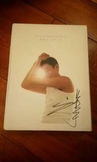珍藏 劉德華 親筆簽名 unforgettable 2CD + dvd