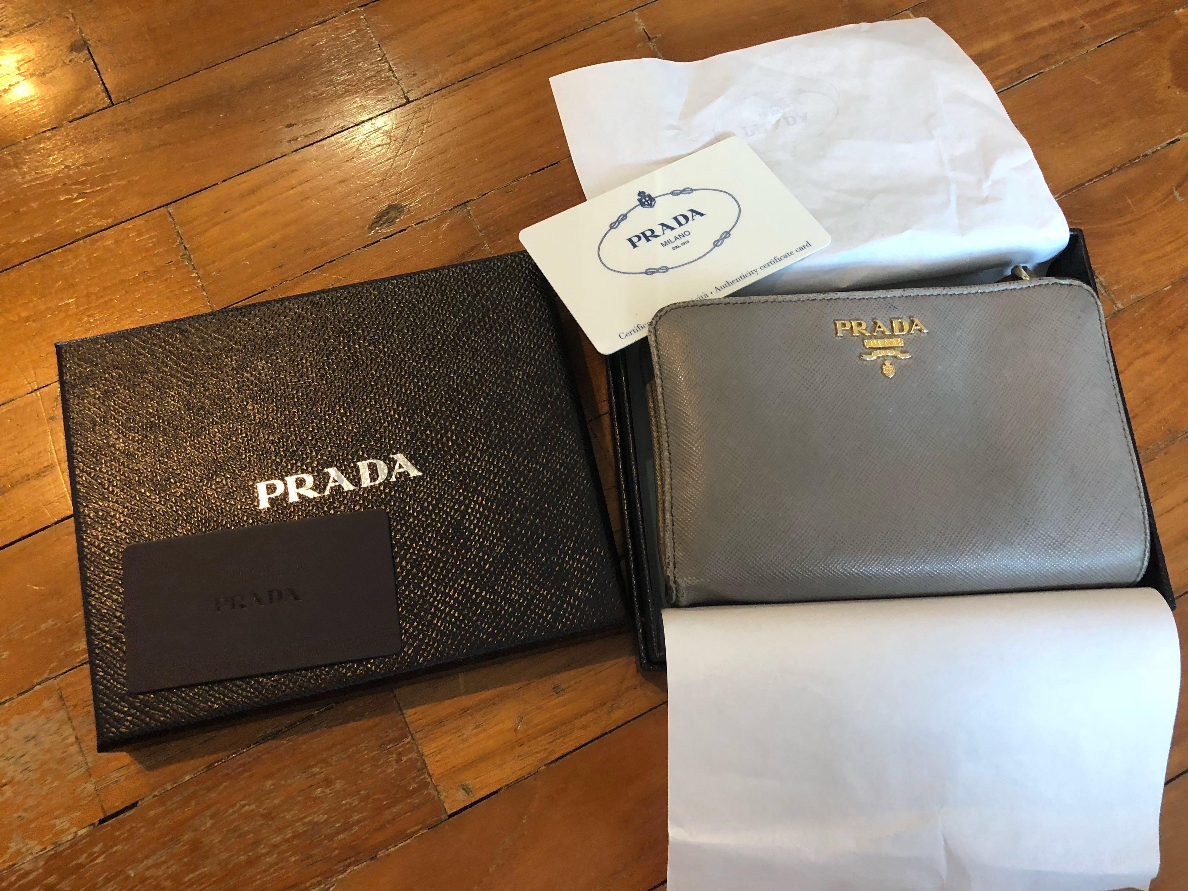 14811391fb25 Authentic ladies Prada Saffiano metal Wallet. ( Gucci