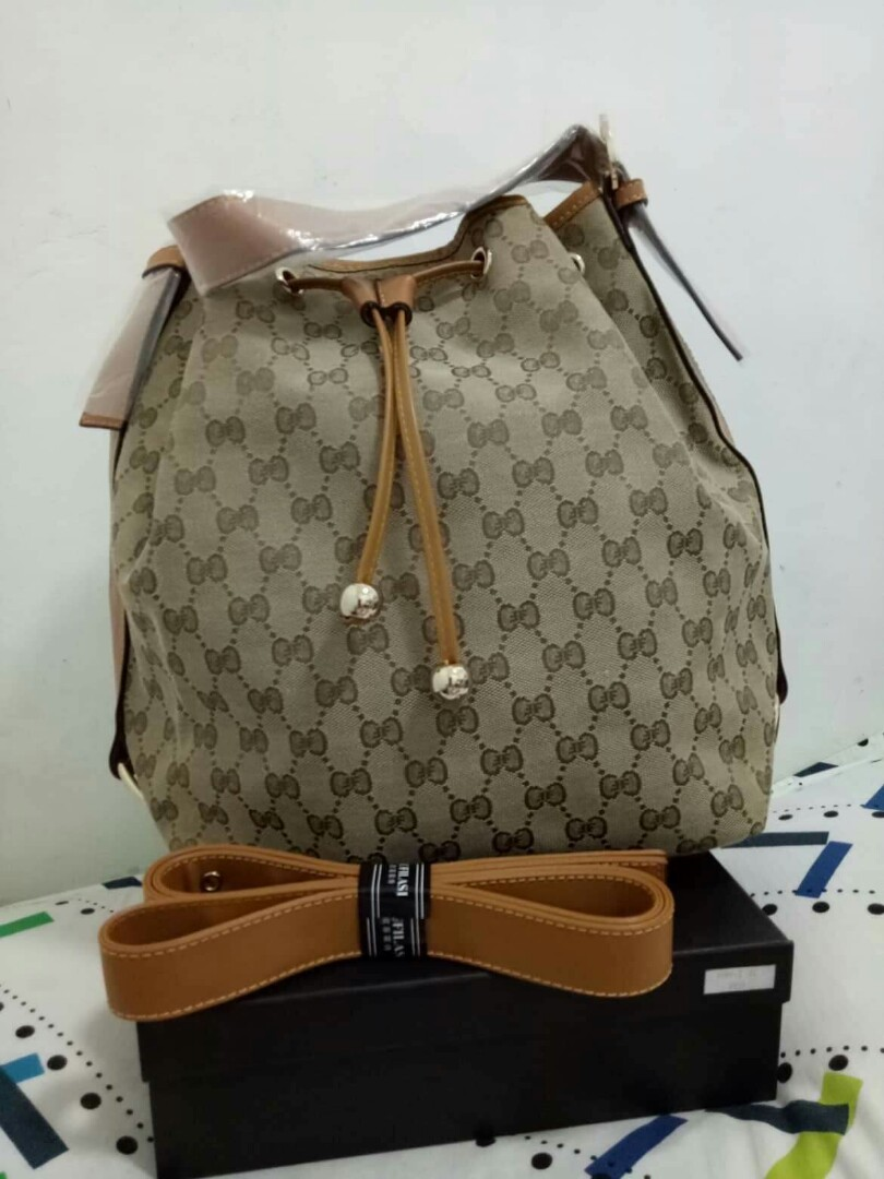 27babbb0da3 Authentic quality Oufilasi, Women s Fashion, Bags   Wallets on Carousell