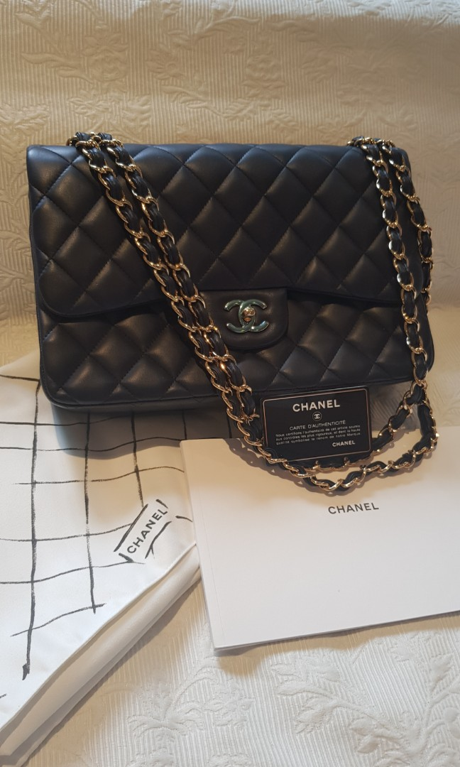 f5927901a922 Chanel Classic Jumbo (Navy Blue, GHW), Luxury, Bags & Wallets, Handbags on  Carousell