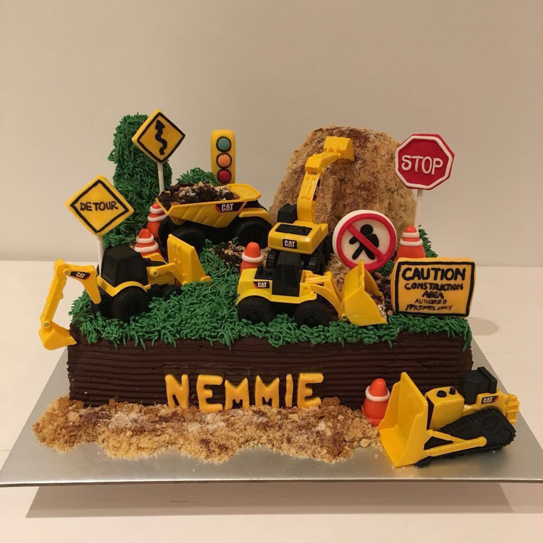 Digger Cake Custom Cakes Food Drinks Baked Goods On Carousell