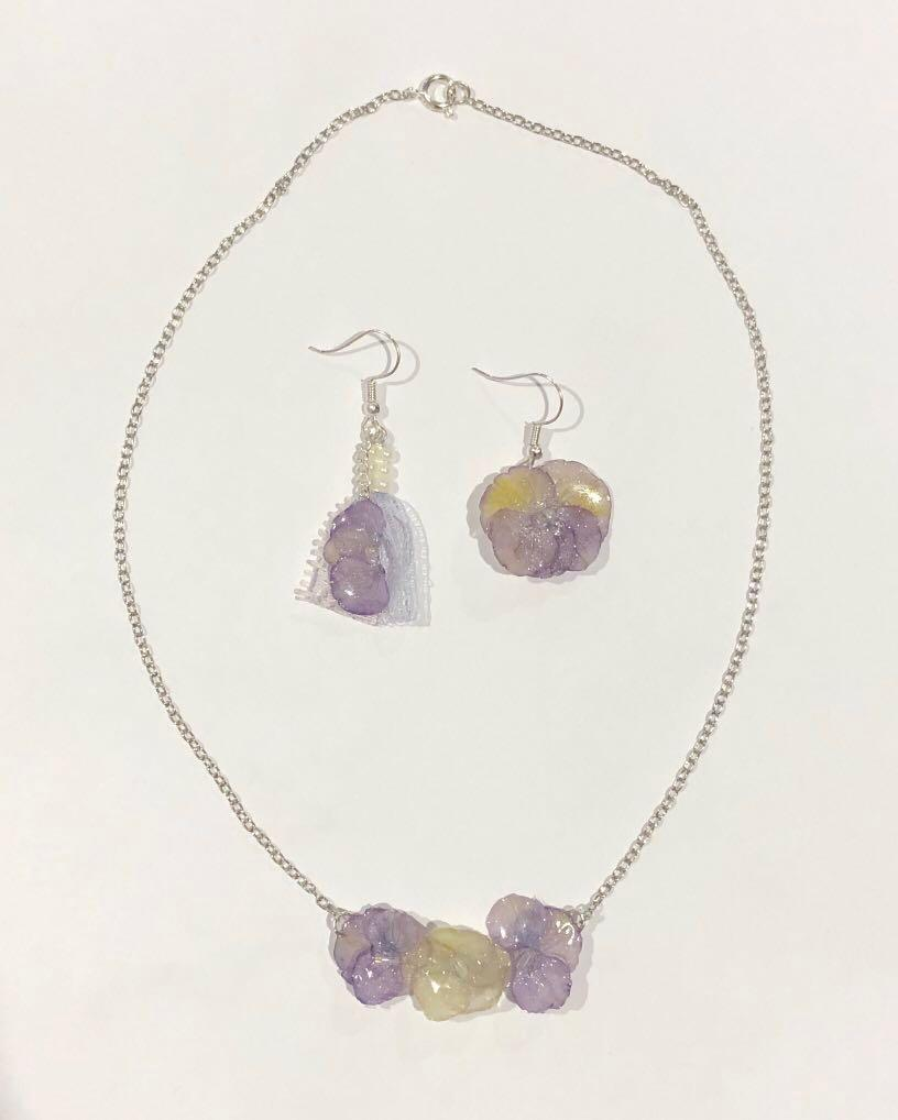 Handmade real flowers lace earrings and necklace