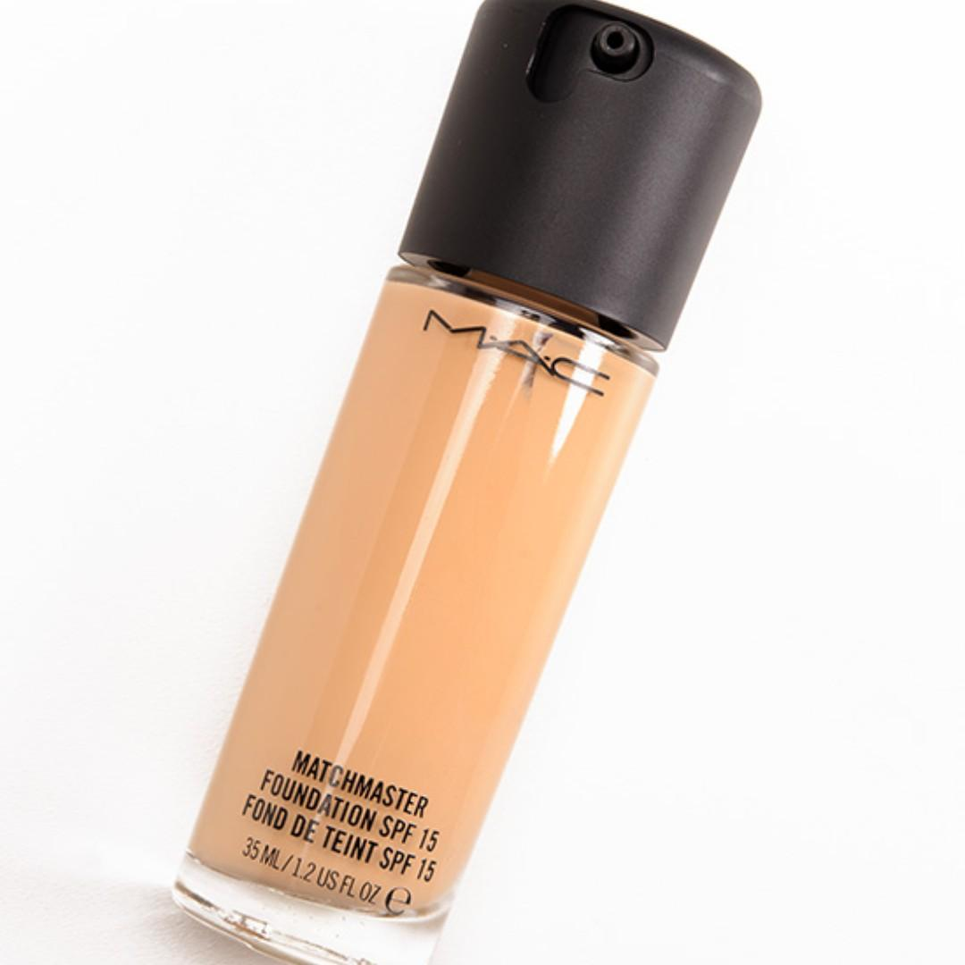 MAC Matchmaster Foundation with SPF 15, Colour is # 1.5. BNIB.