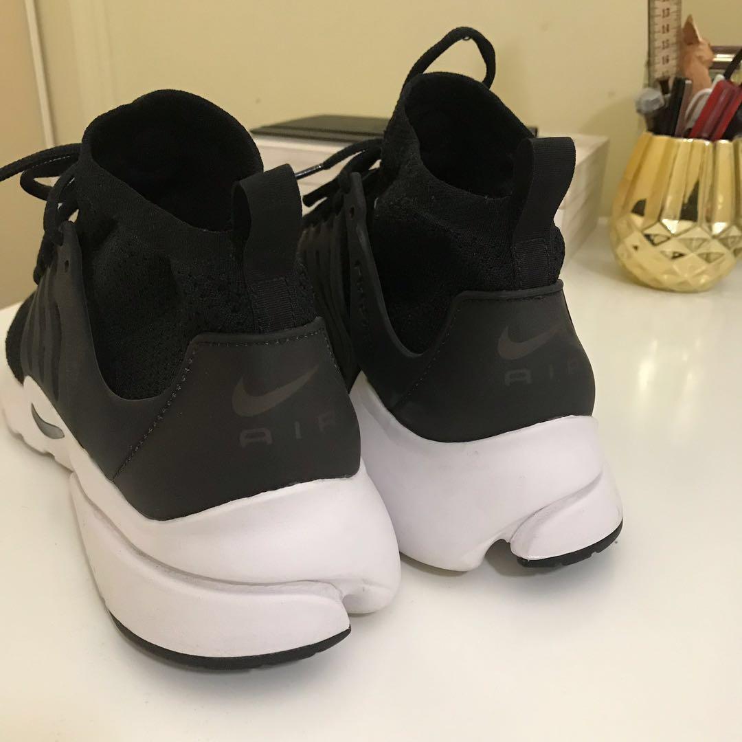 Nike Air Presto Flyknit Sneaker Black/White - US 12