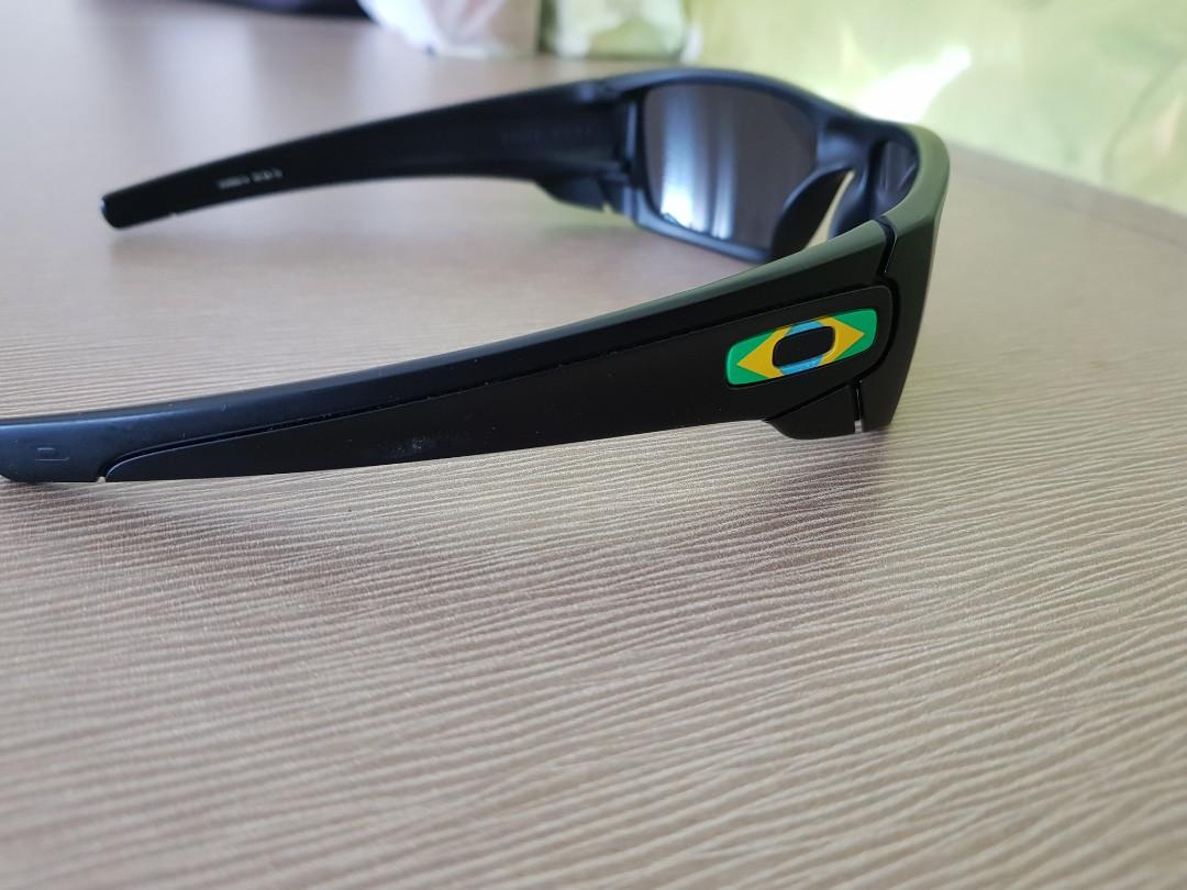 330d4cbd13 Oakley fuel cell brazil flag logo, Men's Fashion, Accessories, Eyewear &  Sunglasses on Carousell