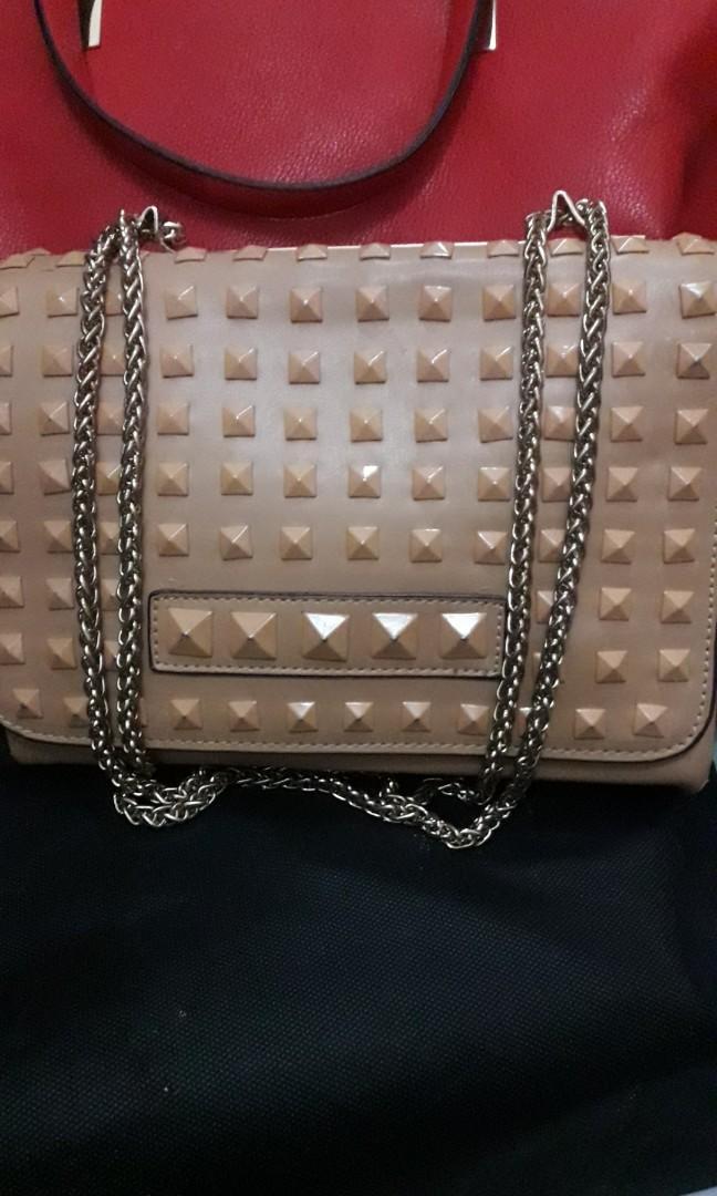 Palomino sling bag