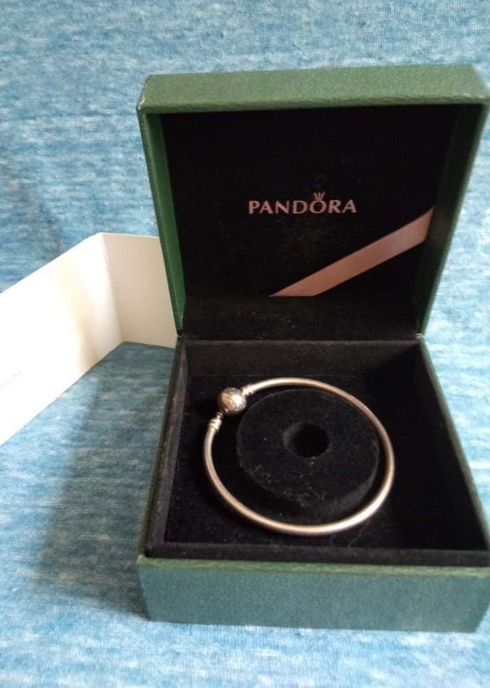 Pandora silver bangle 17cm with box and blank gift card