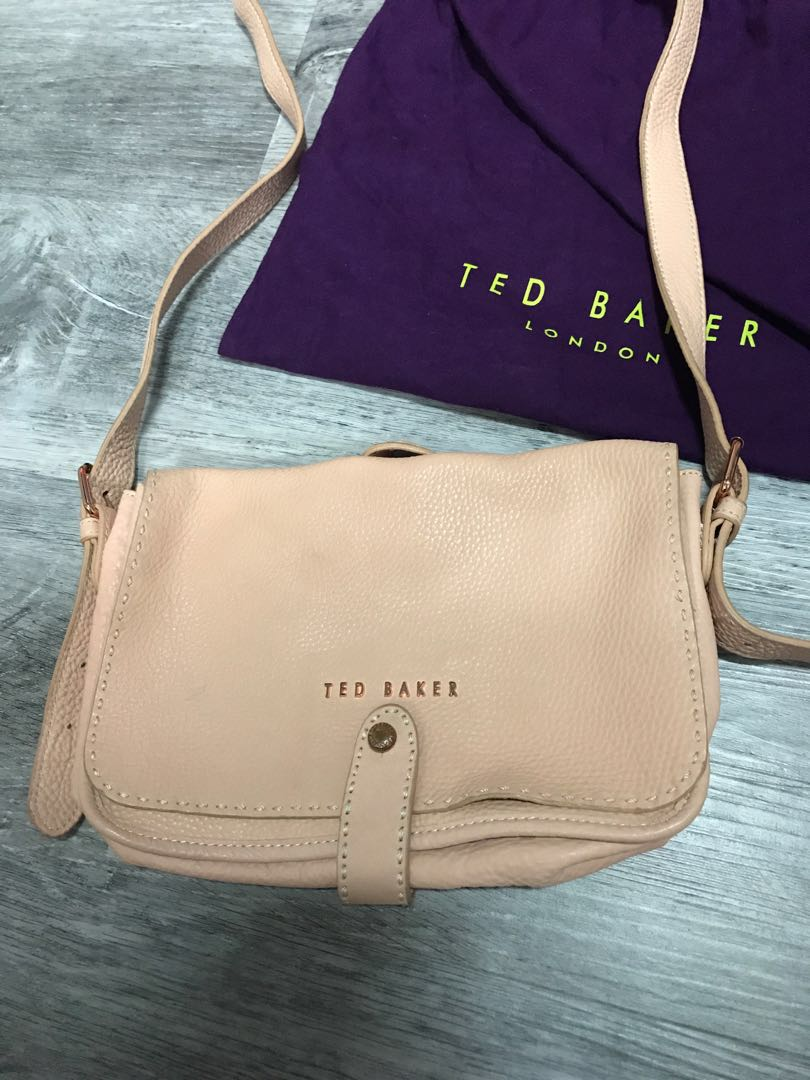 782a83e18f8ff4 Ted baker sling bag