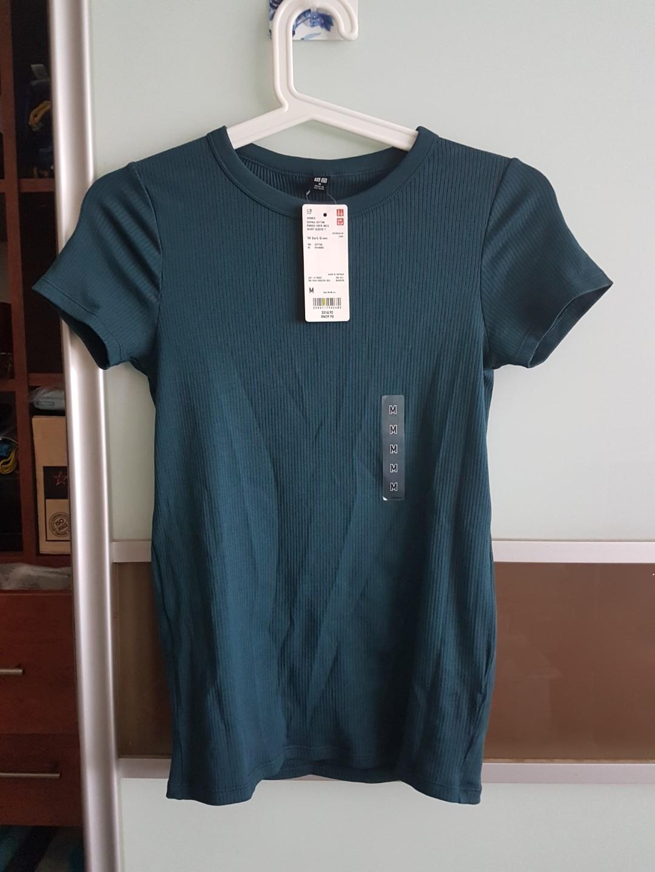 2e6ac817710e UNIQLO Ribbed Crew Neck Top in Dark Green, Women's Fashion, Clothes ...