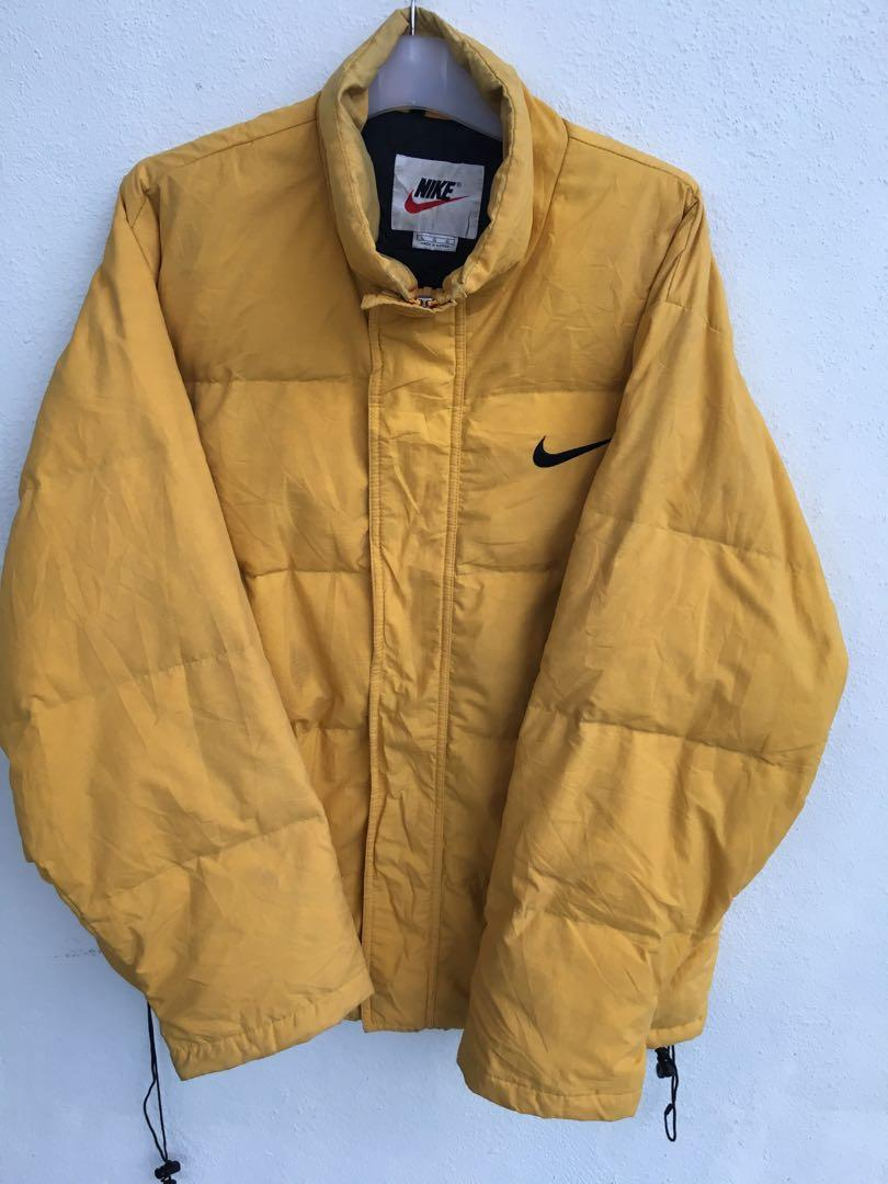 árabe por qué Evento  Vintage Nike Puffer Jacket, Men's Fashion, Clothes, Tops on Carousell