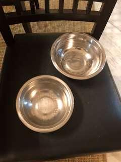 Steel bowls (set of 2)