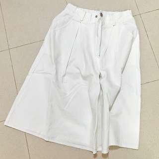 白色A字牛仔裙