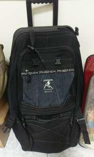 國外常用的放雪橇用行李箱
